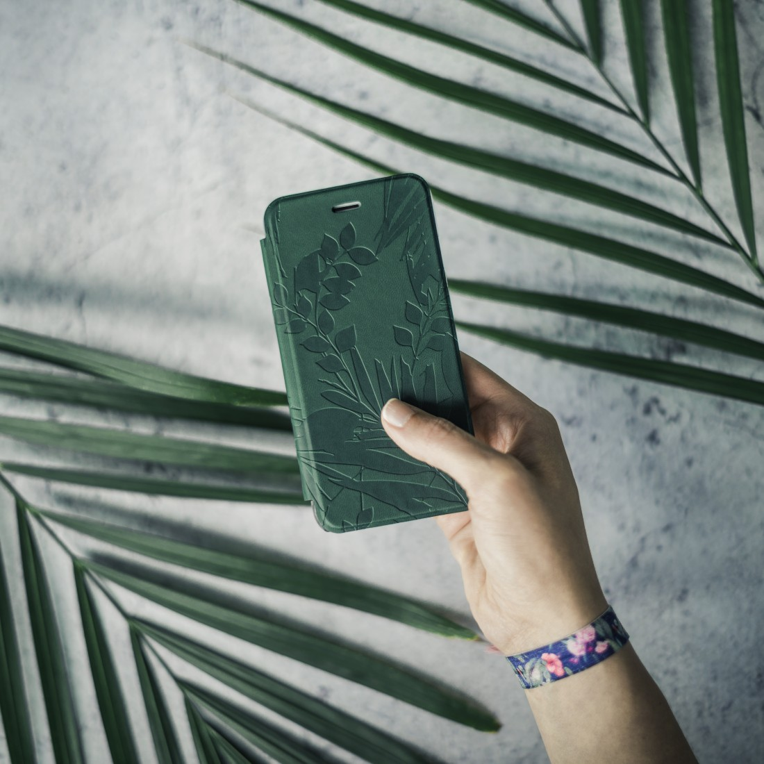 "awx4 High-Res Appliance 4 - Hama, Booklet ""Jungle Leaves"" voor Apple iPhone 6/6s/7/8, donkergroen"
